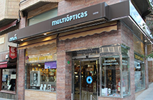 Harry Larys at MULTIOPTICAS CACERES